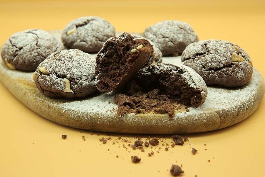 beyaz çikolatalı kurabiye