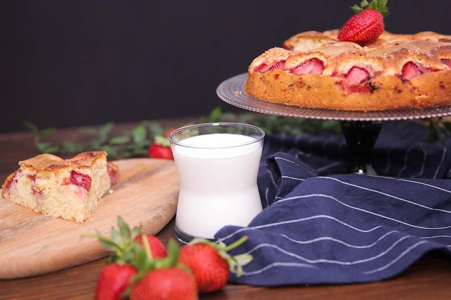 kefirli çilekli kek