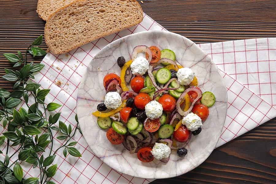 Top Peynirli Şef Salata